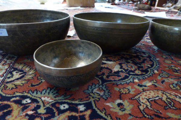tibetische Klangschale graviert - Asiatica Foth