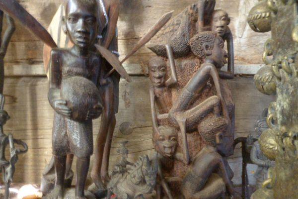 Holzschnitzerei - Afrika