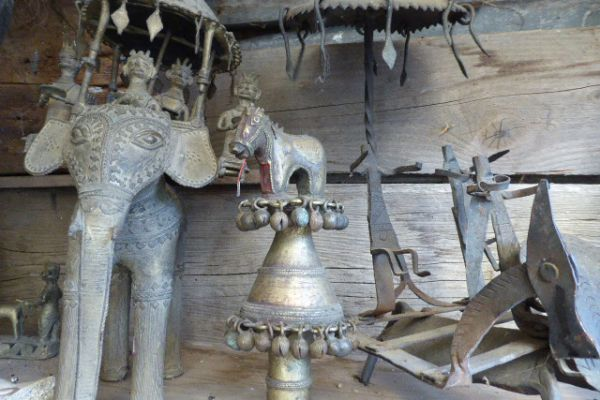 Götterstandarte - Gelbguss aus Bastar Stammesgebiet