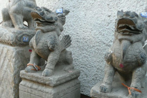 Drachensäulen - Asiatica Großhandel in Freiburg