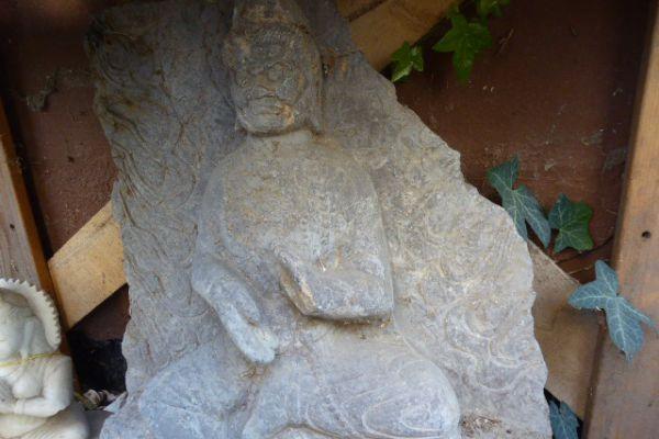 Dharmapala Kalkstein-Asiatika Großhandel Freiburg