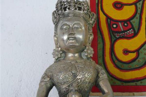 Amitejus - Weißmetallfigur aus China