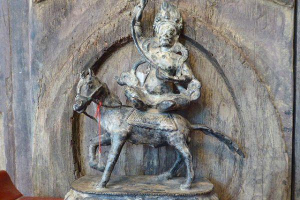 Pelden Lahmo - Kultfigur aus Nepal