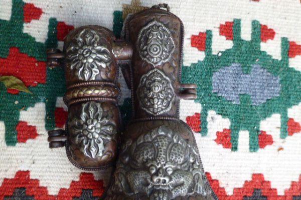 Ritualglockenbehälter - getriebenes Kupfer aus Nepal