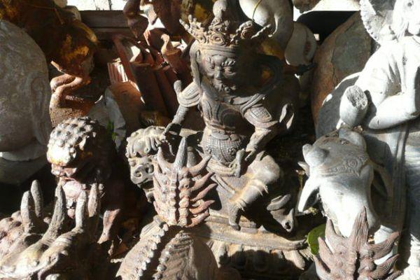 Kubera - Eisenguß aus der Mongolei